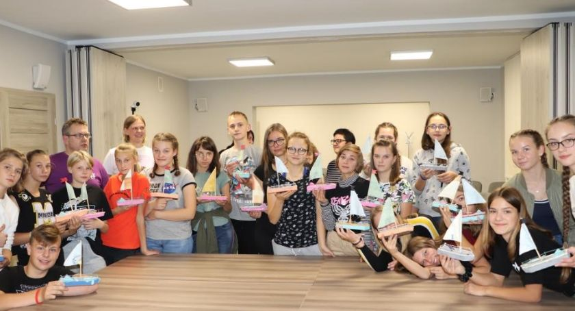 """wiadomości z regionu, Znajdźmy wspólny język"""" blizanowskiej bibliotece - zdjęcie, fotografia"""