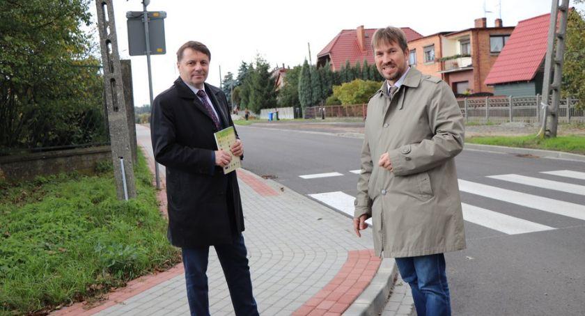 Drogownictwo, drogi gminie Opatówek - zdjęcie, fotografia