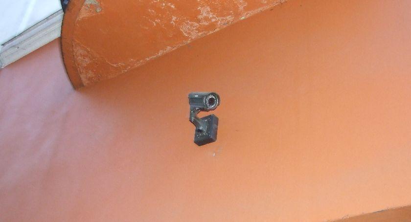 Miejski krajobraz, Skąd śledzą kamery miejskiego monitoringu Może śledzą kiepsko - zdjęcie, fotografia