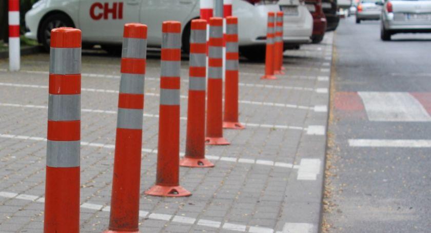 Transport, Gdzie zaparkować kaliskich cmentarzach - zdjęcie, fotografia