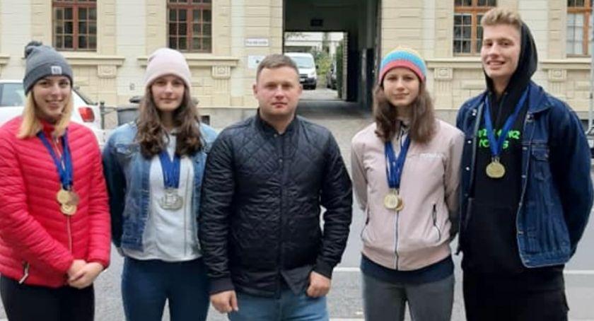 Pływanie, Medale pływaków Kalisz Poczdamie - zdjęcie, fotografia