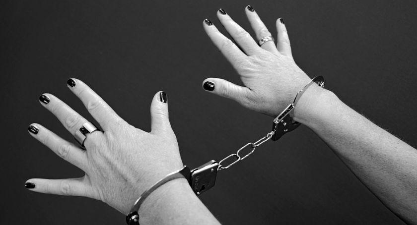Kronika Kryminalna, Zabójstwo Stawiszyńskiej Kobieta ugodziła nożem mężczyznę - zdjęcie, fotografia