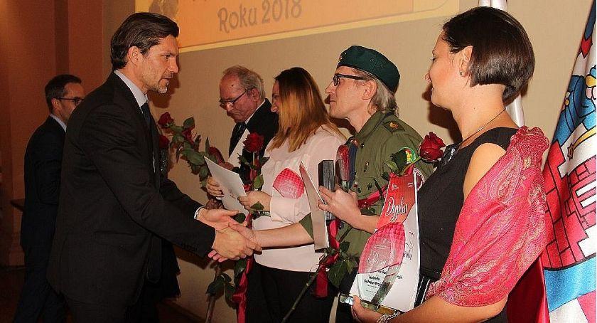 Święta i uroczystości , Zgłaszamy kandydatów tytułu Wolontariusz - zdjęcie, fotografia