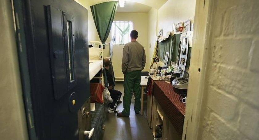 Mecenas radzi, Alimenty więzienie - zdjęcie, fotografia