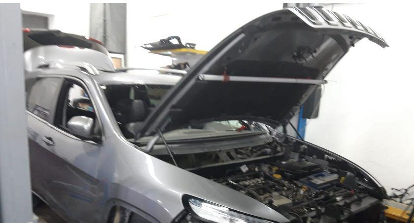 Motoryzacja, Warsztat samochodowy może przydać - zdjęcie, fotografia