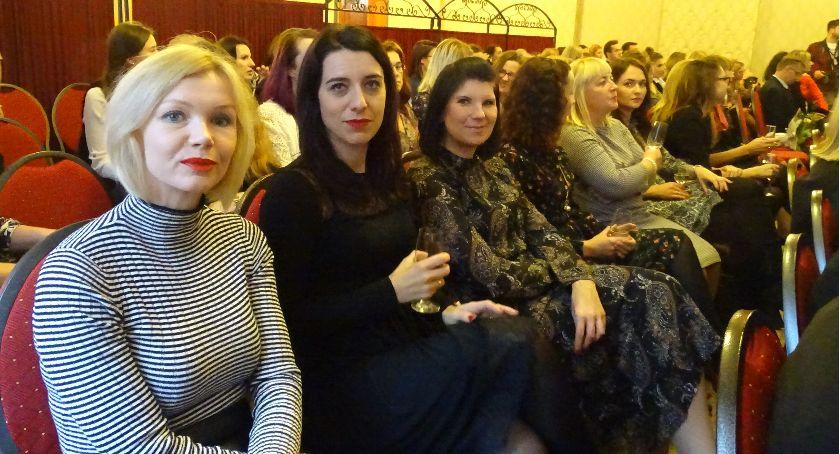 Święta i uroczystości , Dzień Pracownika Socjalnego Kaliszu Uroczyste spotkanie restauracji Komoda - zdjęcie, fotografia