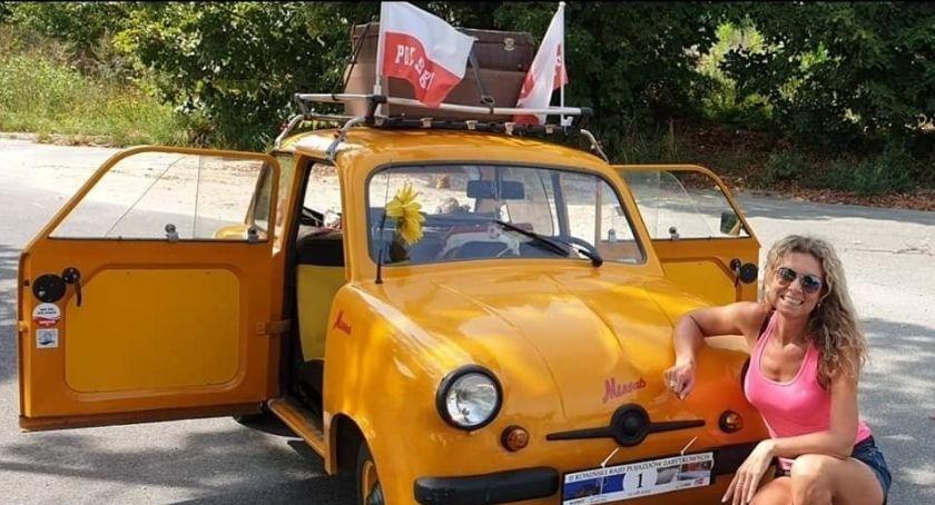 Motoryzacja, Odbudują spalonego letniego Mikrusa jedno jeszcze jeżdżących Polsce - zdjęcie, fotografia