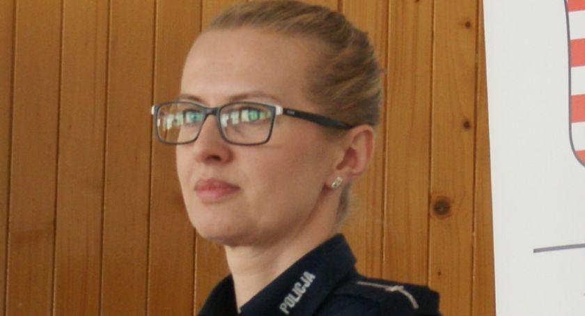 Kronika Kryminalna, Zatrzymano czwartego sprawcę pobicia policjanta próbował ukryć tapczanie - zdjęcie, fotografia