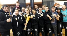 Grad medali kickboxerów Prosny i Ziętek Team