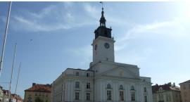 Wieża ratusza nieprzyjazna dla zwiedzających