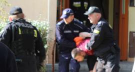 74-latka zamordowana pałką. Wnuczkowi postawiono zarzuty