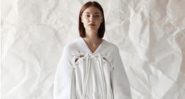 O tym, że ubiór może być sztuką – wystawa Anny Kuźmitowicz w Opatówku