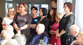 Świąteczne spotkanie w Domu Pomocy Społecznej - ZDJĘCIA