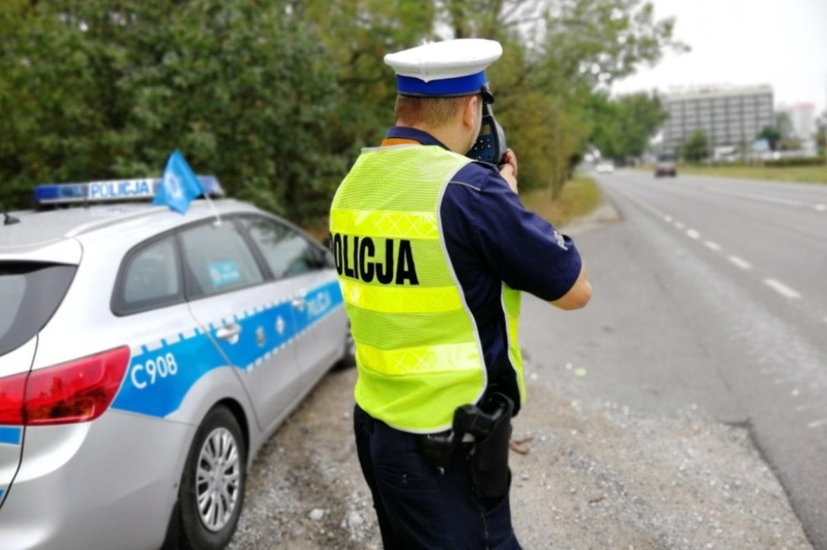 Piraci drogowi, terenie zabudowanym Kierowcy zatrzymano prawo jazdy - zdjęcie, fotografia