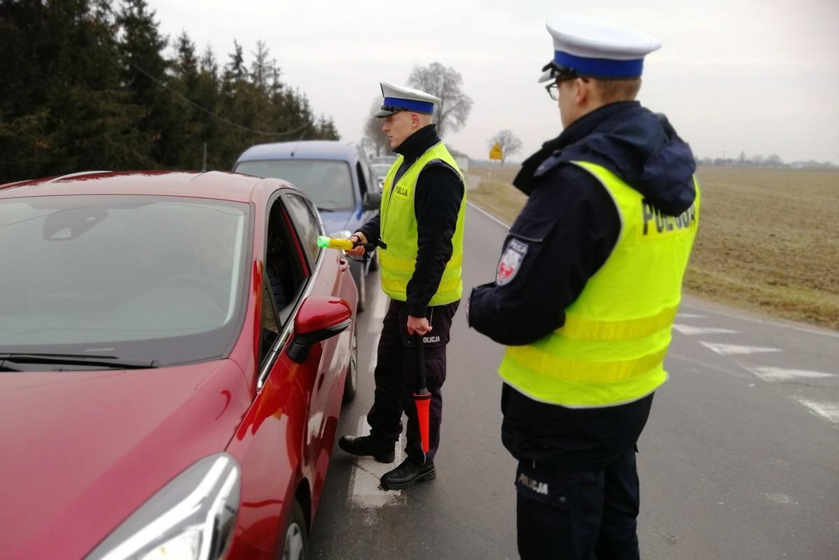 Akcja policji, weekend ręce policji wpadło pięciu pijanych kierowców - zdjęcie, fotografia