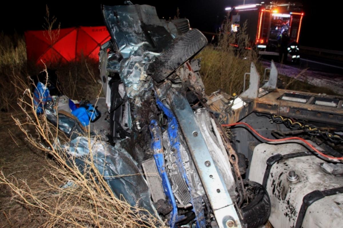 Wypadek drogowy, [AKTUALIZACJA ZDJĘCIA] Grucznie zginął letni mieszkaniec Świecia - zdjęcie, fotografia