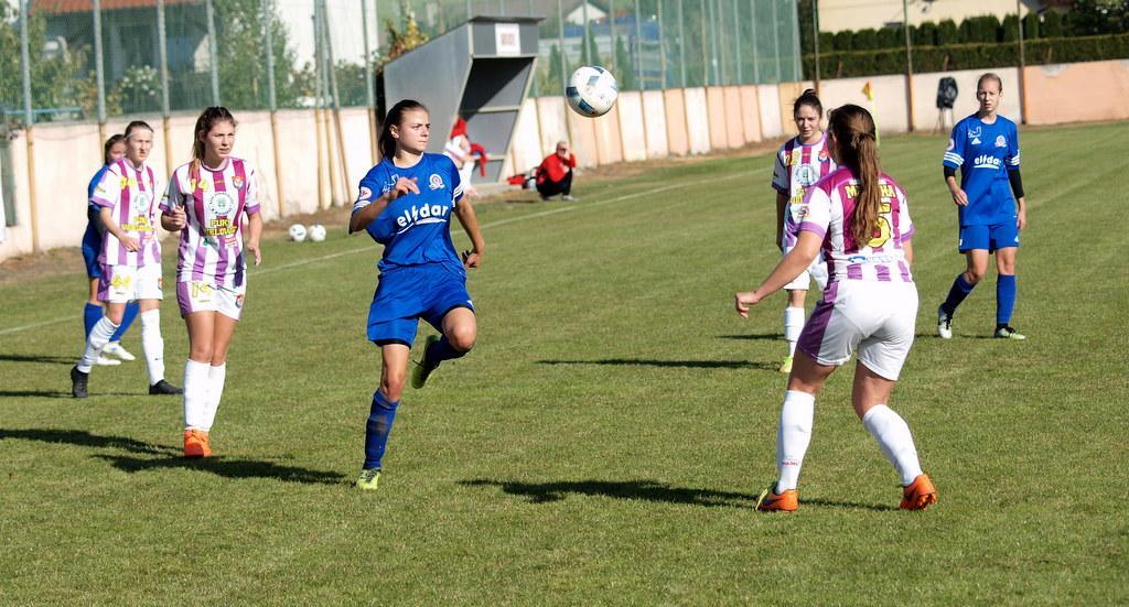 Piłka nożna, Piłkarki Strażaka Przechowo wygrały czwarty sezonie [ZDJĘCIA] - zdjęcie, fotografia