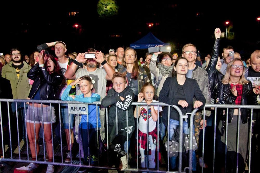 Festiwale, Jamajka sierpniowy chłodny wieczór Mesajahem śpiewała cała publiczność [ZDJĘCIA] - zdjęcie, fotografia