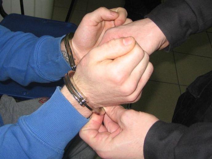 Poszukiwani, Poszukiwany listem gończym latek wpadł ręce policji - zdjęcie, fotografia