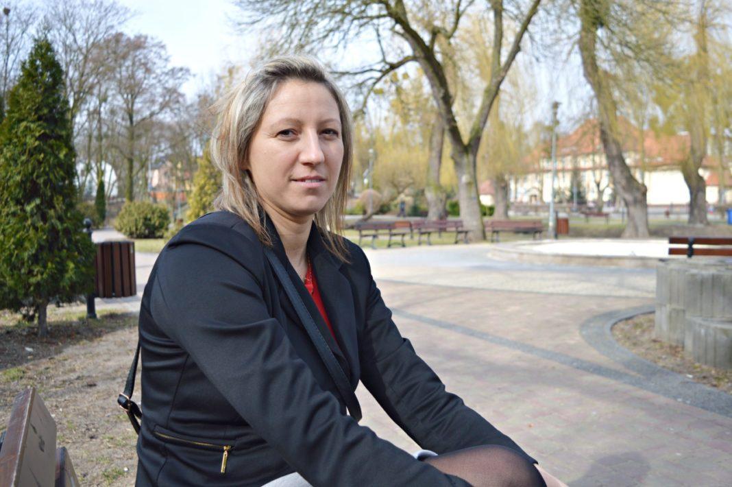Sylwetka, Angelika Śląska przewodnicząca Grupy Kobiet Nadwiślańskich uwielbia pływać jeździć rowerze - zdjęcie, fotografia