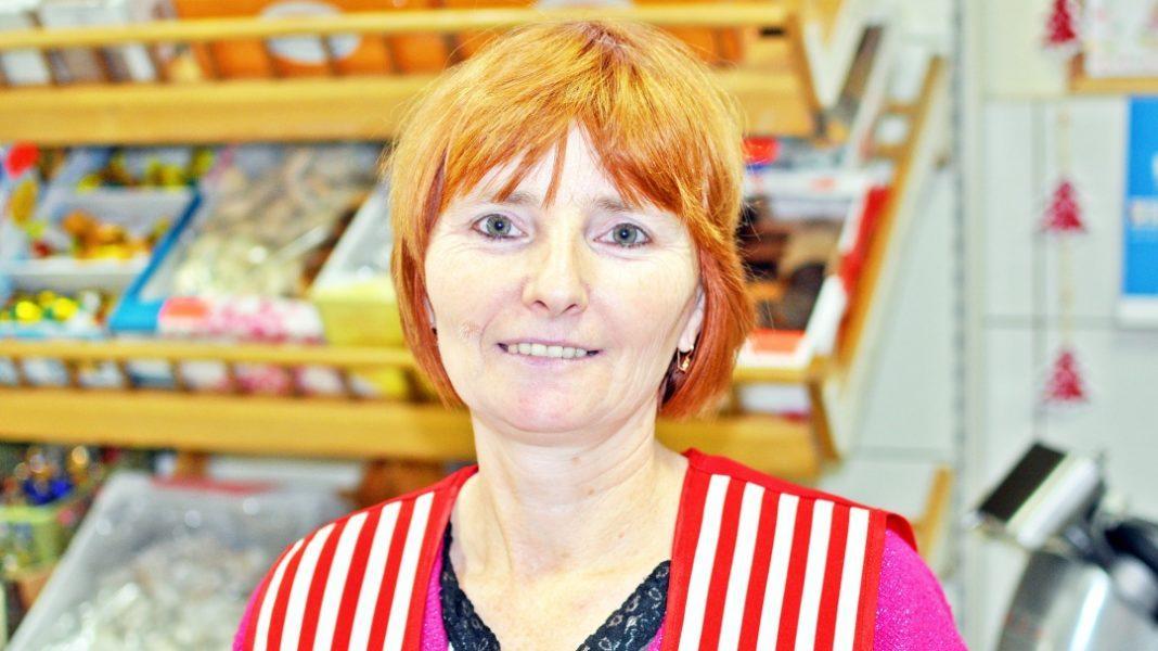 Z klasą, Katarzyna Frąckowska sklepach Społem pracuje ponad Każdą wolną chwilę chciałaby spędzić wnukami - zdjęcie, fotografia
