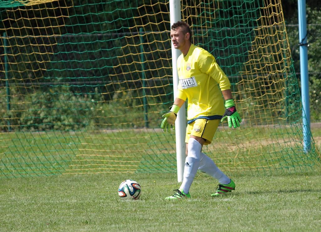 Piłka nożna, Świekatowo pokonała Start Pruszcz będzie liderem przez zimę - zdjęcie, fotografia