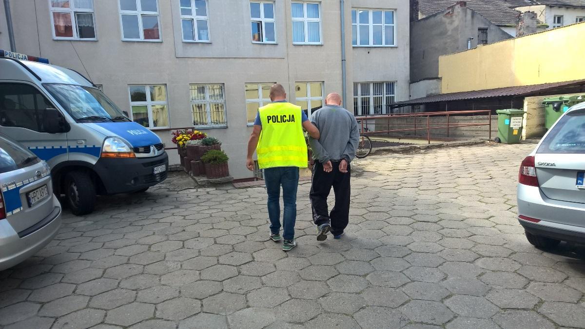Narkotyki, Mieszkaniec gminy Jeżewo zatrzymany amfetaminą Może spędzić kratkami - zdjęcie, fotografia