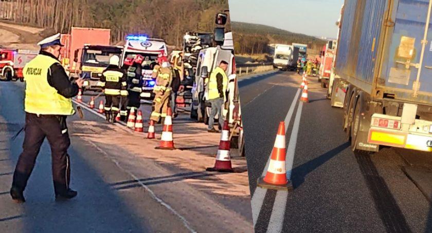Wypadek drogowy, Karambol Świętem Sześć zderzyło Świętem - zdjęcie, fotografia