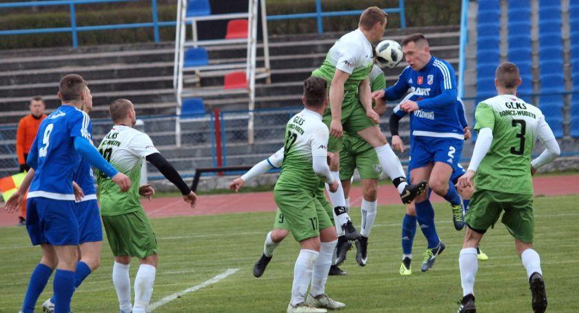 Piłka nożna, Piłkarze tylko zremisowali Dobrcz Wudzyn [ZDJĘCIA] - zdjęcie, fotografia