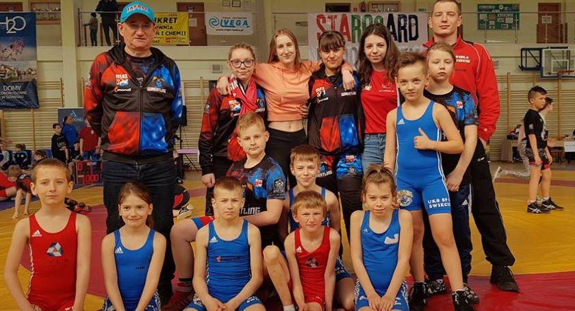 Zapasy, Młodzi zapaśnicy Wisły Suplesu dobrze walczyli mistrzostwach Kociewia - zdjęcie, fotografia