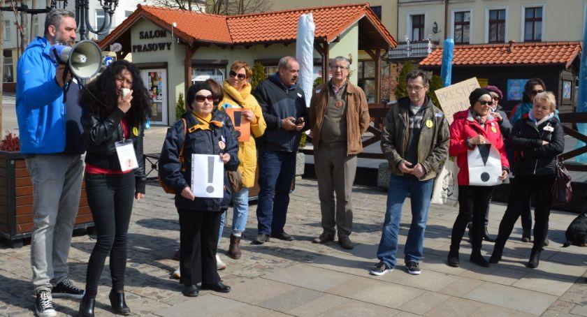 Samorząd, Strajk nauczycieli Gmina Świecie zrekompensuje nauczycielom niższe pensje strajk wchodzi - zdjęcie, fotografia