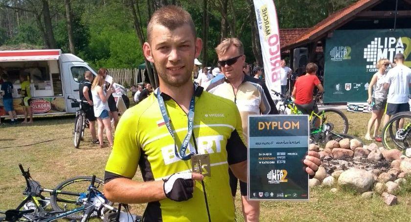 Sylwetka, Krzysztof Kwaśniewski przejechał Krakowa rowerze spania Teraz planuje rowerowy ultramaraton 1200km - zdjęcie, fotografia