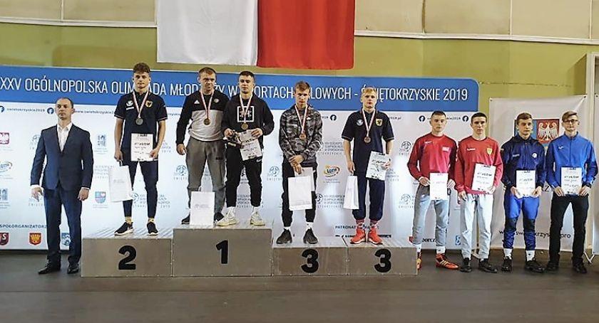 Zapasy, Zapaśnik Szymon Wróbel srebrnym medalistą Ogólnopolskiej Olimpiady Młodzieży - zdjęcie, fotografia