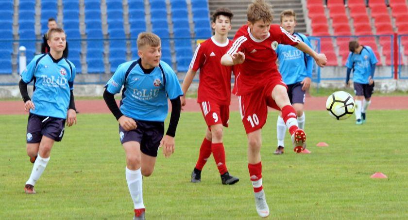 Piłka nożna, Kadry młodzieżowe grały Świeciu Lepiej wypadł rocznik [ZDJĘCIA] - zdjęcie, fotografia