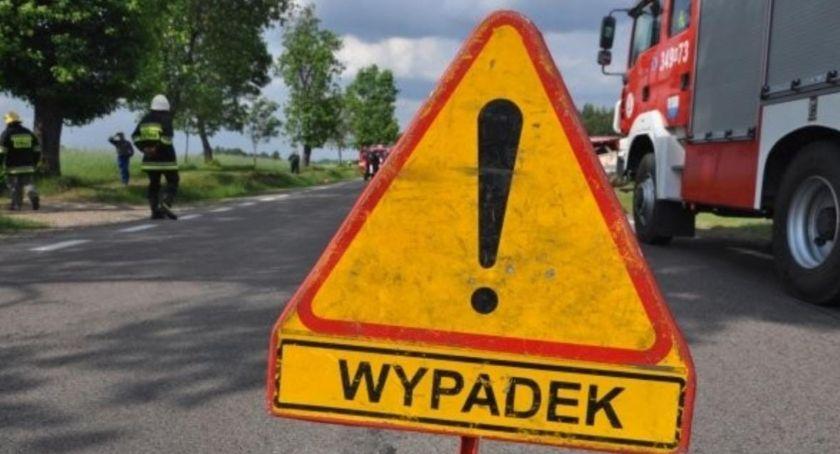 Akcja straży, Sulnowie droga była zablokowana mężczyzna zakleszczony pojeździe - zdjęcie, fotografia