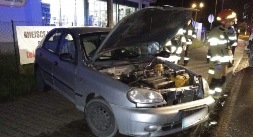 Akcja straży, Wypadek Świeciu Samochód wypadł zakrętu wyciągnięcia jednej osób trzeba było użyć sprzętu hydraulicznego [ZDJĘCIA] - zdjęcie, fotografia