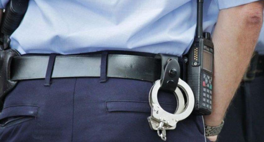 Akcja policji, Ekspedientki obawie własne życie zdrowie wydały latkowi pieniądze złapanie mężczyzny zaangażowali funkcjonariusze trzech powiatów - zdjęcie, fotografia