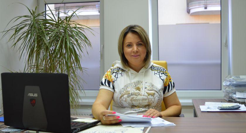 Biznes, Kancelaria Prawna Nieruchomości obrót nieruchomościami konik kancelarii - zdjęcie, fotografia