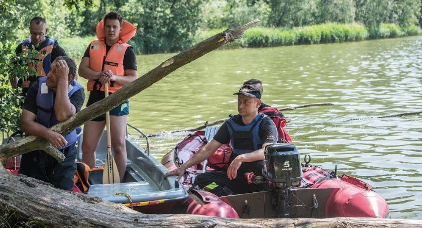 Akcja straży, jeziorze Tleniu szukali topielca informacje - zdjęcie, fotografia