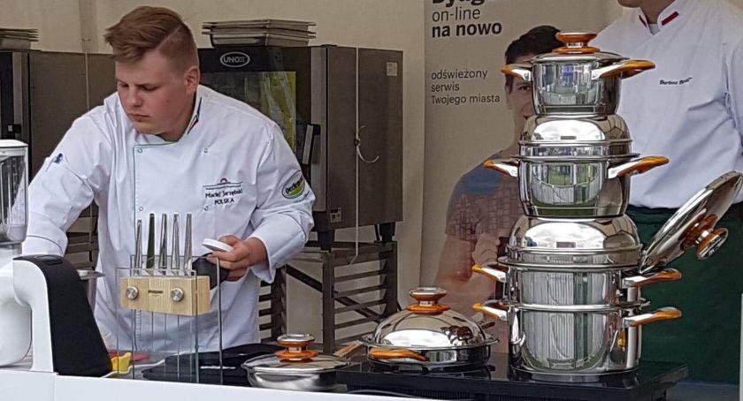 Sylwetka, Maciej Jarzębski prawie wygrał tytuł najlepszego bloggera kulinarnego Konkursu wygrał ofertę pracy otrzymał - zdjęcie, fotografia