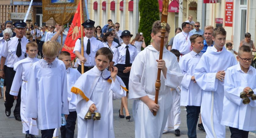 Uroczystości, święta i obchody, Procesja Bożego Ciała przeszła ulicami Świecia [DUŻO ZDJĘĆ] - zdjęcie, fotografia