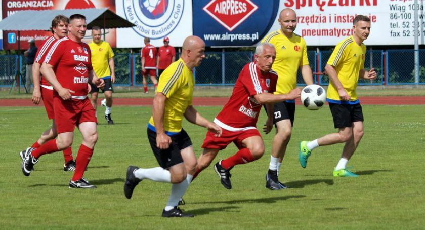 Piłka nożna, Dawni piłkarze Świecie znów zagrali razem [ZDJĘCIA] - zdjęcie, fotografia