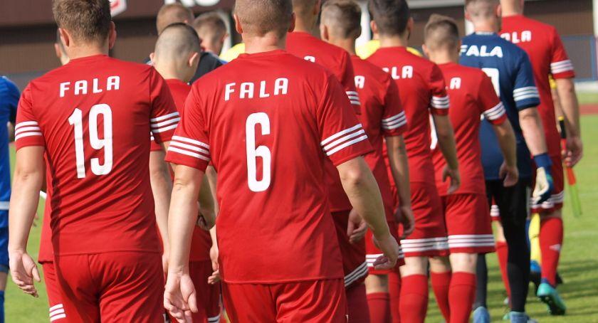 Piłka nożna, Świekatowo zostaje klasie - zdjęcie, fotografia
