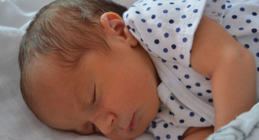 Noworodki, Hubert Ignaś Hania jakie imiona wybierali rodzice dzieci urodzonych świeckim szpitalu - zdjęcie, fotografia