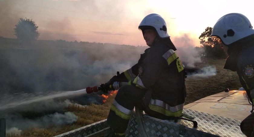 Akcja straży, Pożarów ciąg dalszy Strażacy mają ręce pełne roboty [ZDJĘCIA] - zdjęcie, fotografia