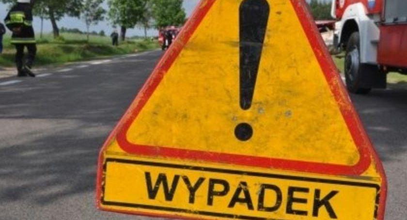 Wypadek drogowy, Droga zablokowana! Spore utrudnienia Nowych Marzach - zdjęcie, fotografia
