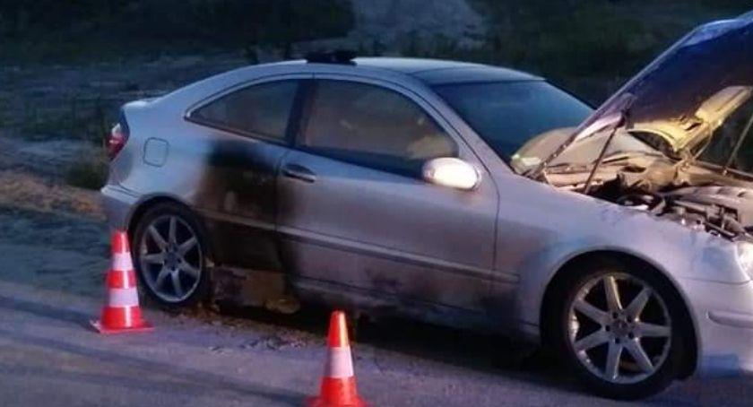 Pożar, Zapaliło Pomogli kierowcy - zdjęcie, fotografia
