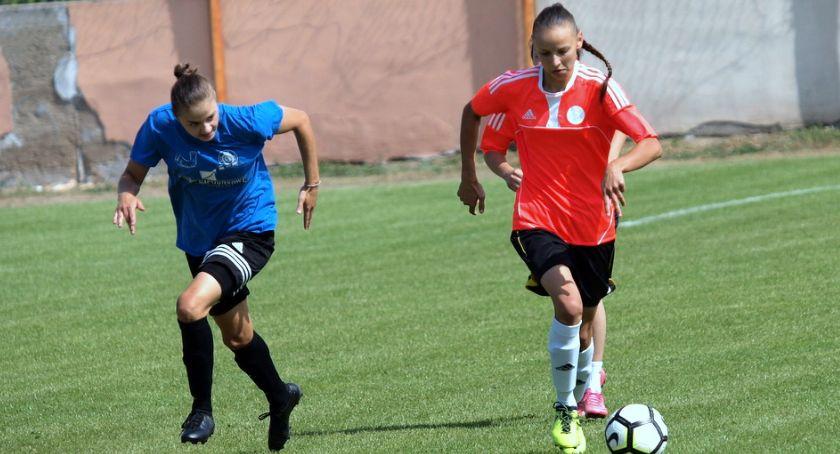 Piłka nożna, Piłkarki Strażaka Przechowo sparingu lepsze beniaminka [ZDJĘCIA] - zdjęcie, fotografia