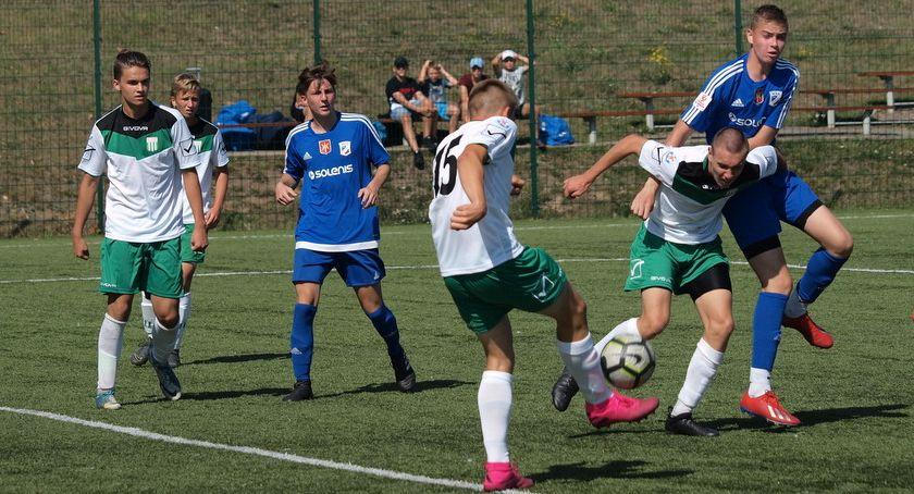 Piłka nożna, Juniorzy młodsi Świecie inaugurację sezonu ograli Olimpię Grudziądz [ZDJĘCIA] - zdjęcie, fotografia
