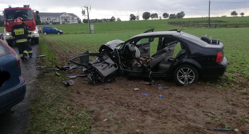 Wypadek drogowy, Niewieścinie poważny wypadek Jedna osoba szpitalu [ZDJĘCIA] - zdjęcie, fotografia